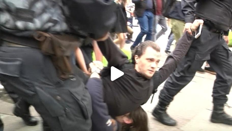 Hơn 40,000 người ủng hộ đối lập xuống đường biểu tình tại Moscow