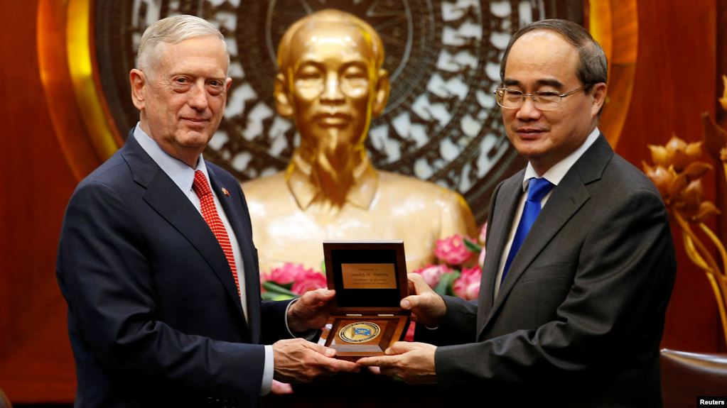 Bí thư TP HCM: Việt Nam 'không thể' quay lưng với Trung Quốc