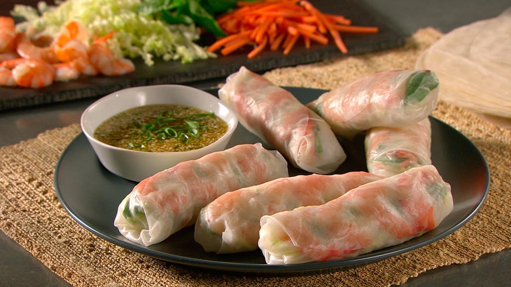 Gỏi cuốn, phở và 9 món ăn châu Á vào top ngon nhất thế giới