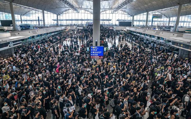 Thái Lan chuẩn bị phi cơ di tản dân khỏi Hong Kong