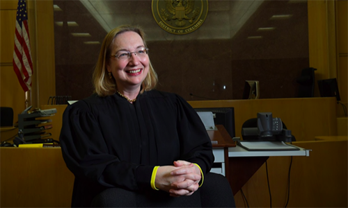 Thẩm phán Mỹ nói Hạ viện được quyền điều tra luận tội Trump