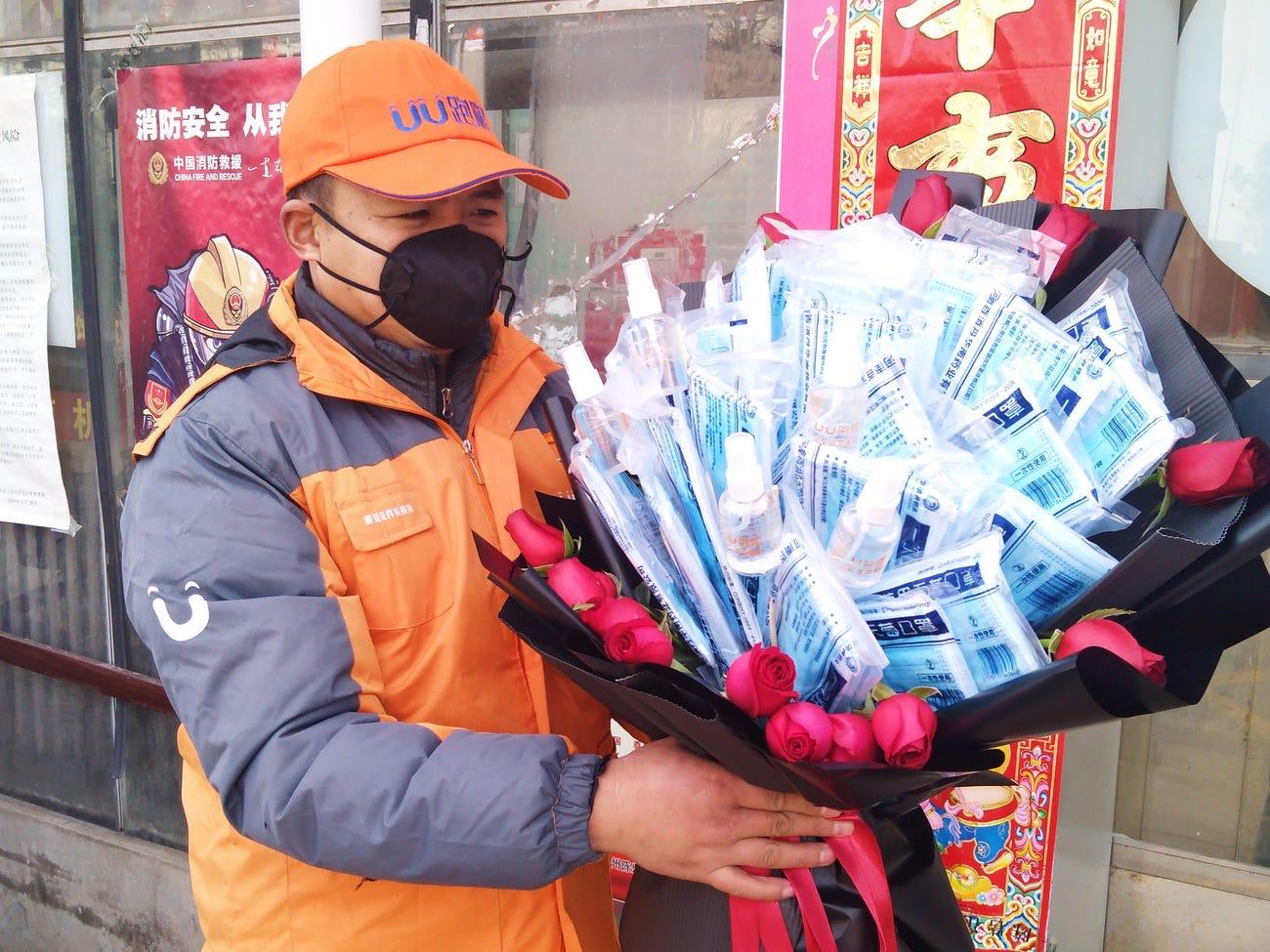"Valentine ""thời dịch corona"" tại China"