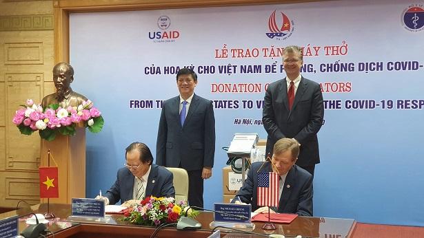 Việt Nam đề nghị Hoa Kỳ hỗ trợ vaccine COVID-19