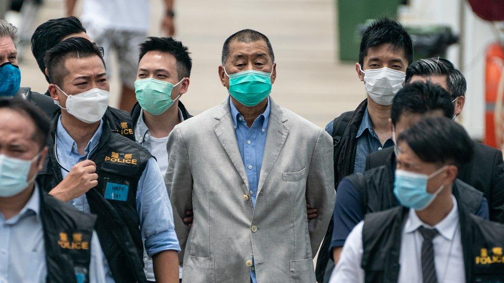 Hong Kong đóng băng cổ phiếu của ông trùm truyền thông Jimmy Lai theo luật an ninh