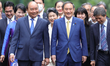 Điện đàm với lãnh đạo Việt Nam, Thủ tướng Nhật 'phản đối mạnh mẽ' Trung Quốc