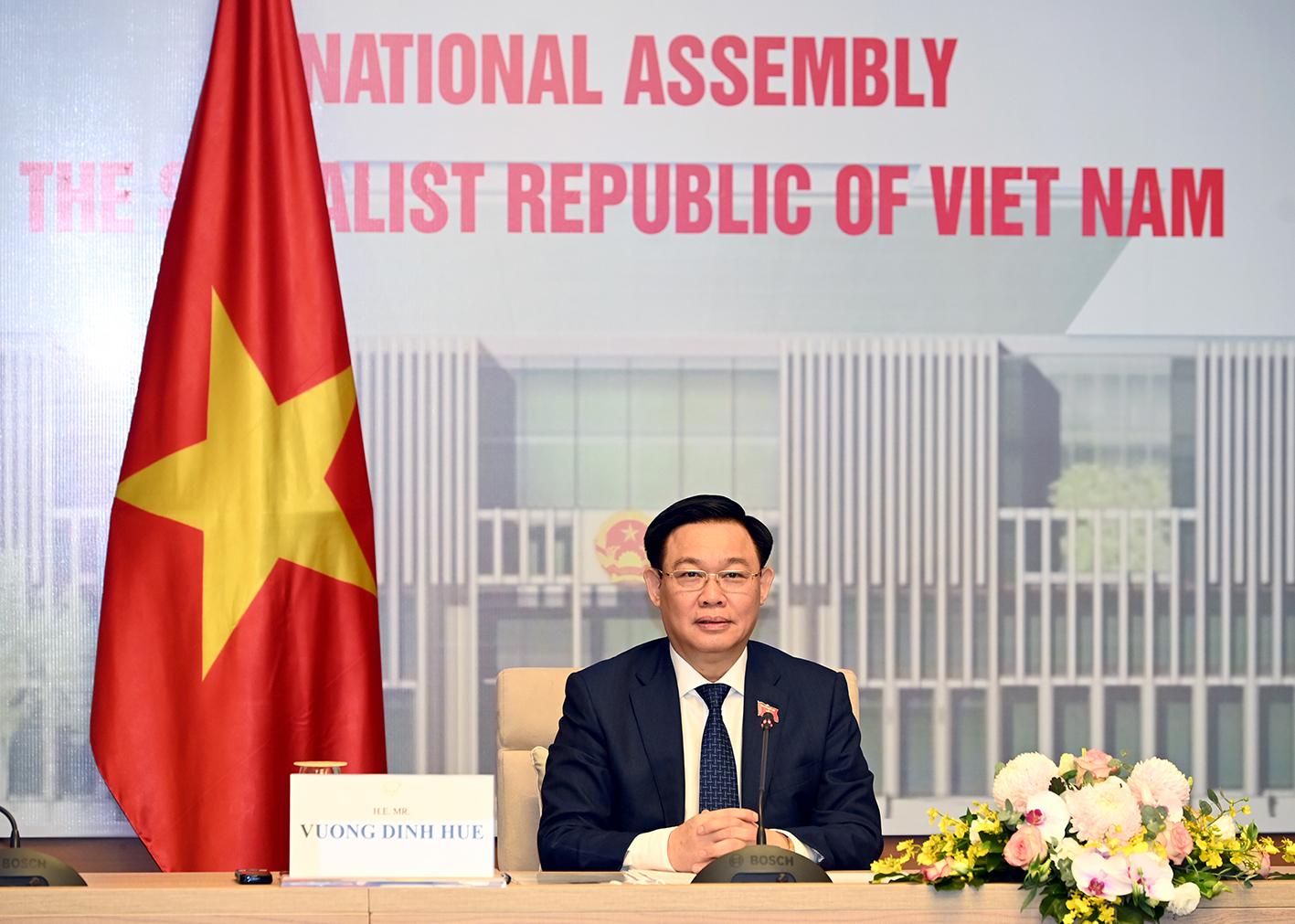 Chủ tịch Quốc hội Việt Nam và Trung Quốc hội đàm trực tuyến