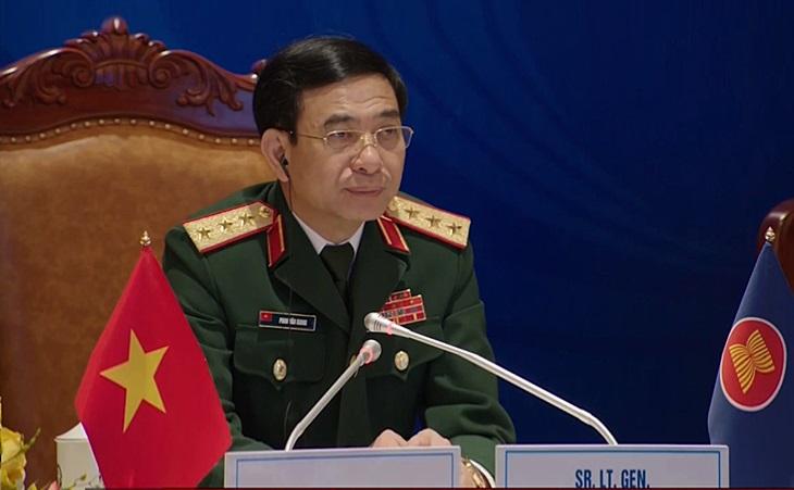 Tướng Việt Nam kêu gọi 'kiềm chế' giữa căng thẳng ở Biển Đông