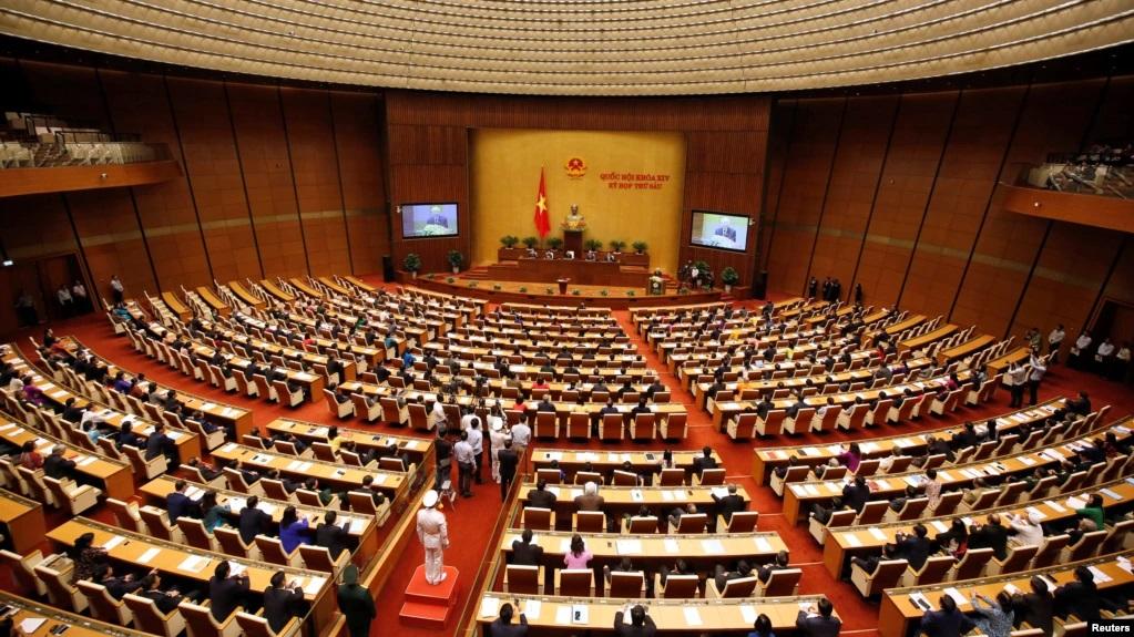 VN: Quốc hội cho chính phủ, thủ tướng hành động 'ngoài luật' để chống dịch