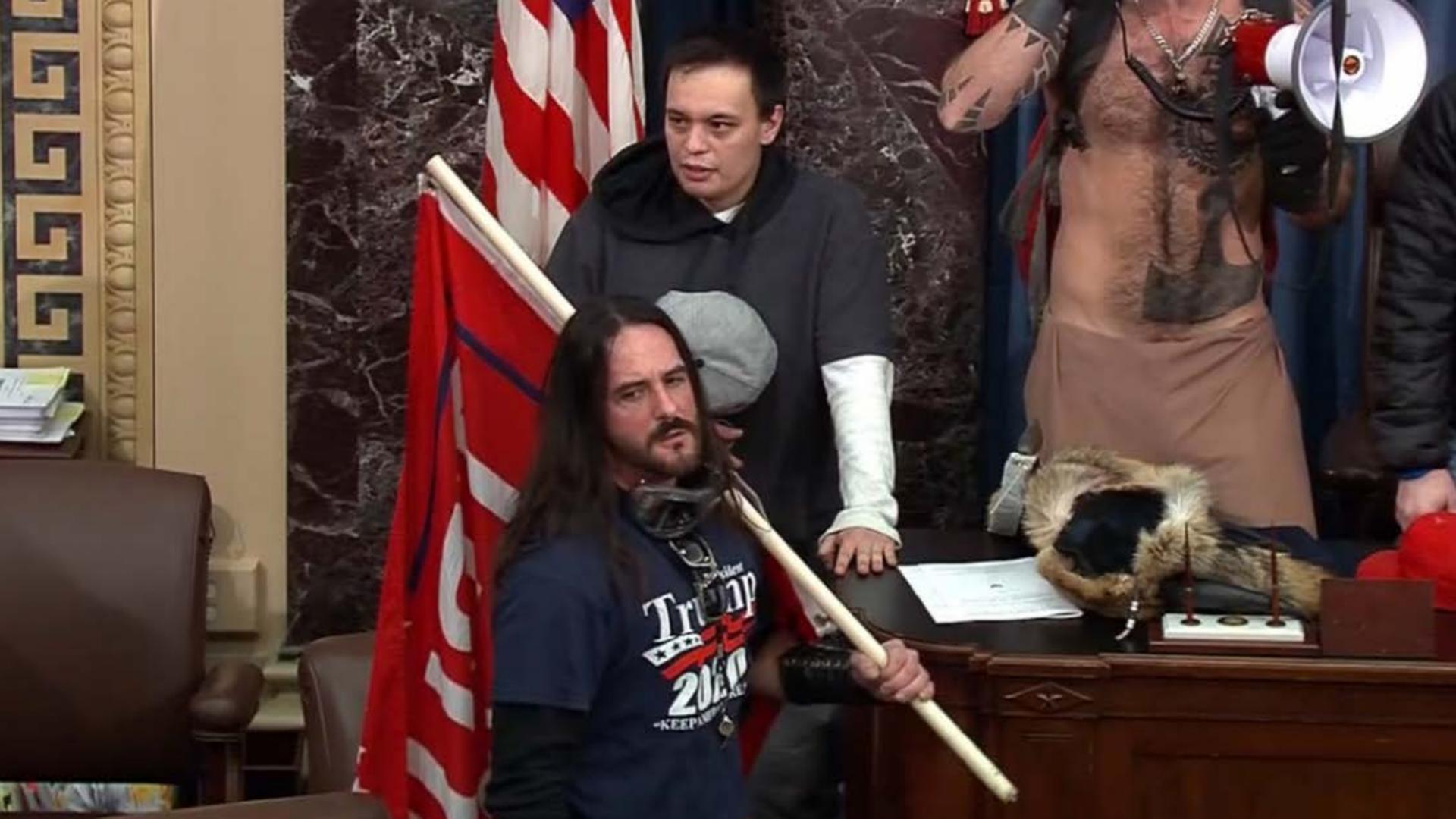 Vụ 6/1: Tám tháng tù cho một người xông vào phòng họp Thượng viện