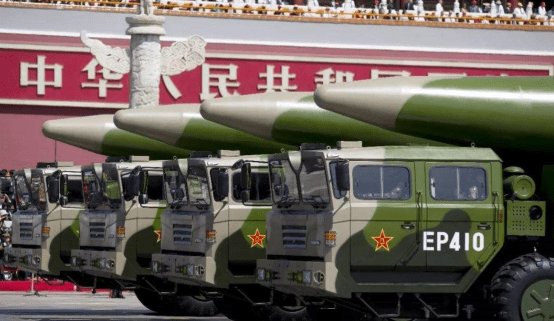 Bị kẹt giữa Trung-Mỹ, các nước châu Á tồn trữ phi đạn 'phòng thân'