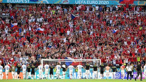 Giải bóng đá Euro 2020 bị đổ lỗi làm lan truyền COVID-19