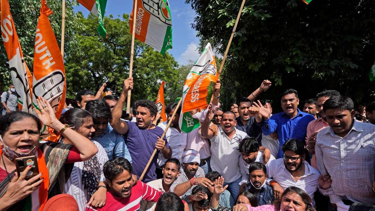 Nông dân Ấn Độ biểu tình sau khi 8 người thiệt mạng trong các cuộc đụng độ